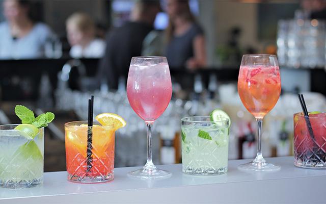 Cocktails zum Happy Hour Preis - jeden Dienstag im Billard im Billard Café Insel Neuwied